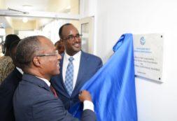 """""""Inauguração do Escritório do Banco Mundial em Cabo Verde é sinal muito forte de confiança no país"""" - Ulisses Correia e Silva"""