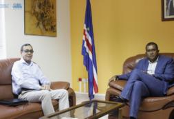 Ministro Carlos Santos recebe Embaixador de Cabo Verde em Espanha em preparação para participação do nosso País na FITUR