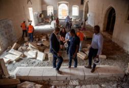 """""""Temos aqui, de fato, uma obra extraordinária"""" – MCIC, Abraão Vicente, na visita às obras da Igreja Nossa Senhora do Rosário"""