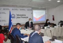 Governo confere posse a primeira Comissão Nacional da Certificação (CONCERT)