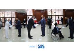 Luís Filipe Tavares condecora Adidos Militares de Espanha e EUA