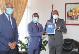 Governo entrega proposta Orçamento Retificativo à Assembleia Nacional