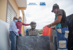 """""""O busto de Manuel de Novas é uma homenagem a Manel de Novas e a São Vicente"""" – MCIC, Abraão Vicente"""