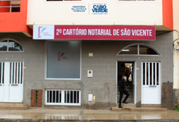 Ministra da Justiça e Trabalho, Janine Lélis, visita o 2º Cartório Notarial de São Vicente