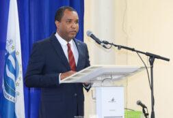 Ministro Amadeu Cruz representa o Governo na sessão solene do município de Ribeira Grande de Santo Antão