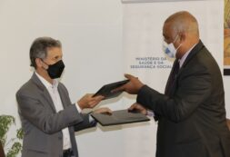 COVID-19: Ministério da Saúde recebe donativo da Organização Mundial da Saúde