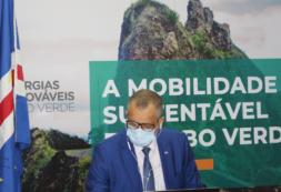 """""""O projeto impulsionará a introdução do setor da Mobilidade Elétrica no país"""" – Ministro Alexandre Monteiro"""