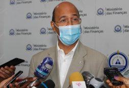 """""""Associação de Cabo Verde ao Banco Mundial na compra das vacinas foi uma solução criativa"""" – Gilberto Barros"""