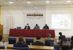 Ministro Carlos Santos participa no Fórum Internacional de Turismo de Cabo Verde